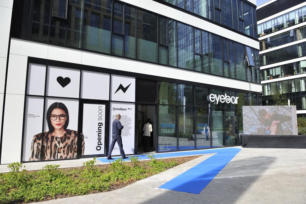 eyebar0004