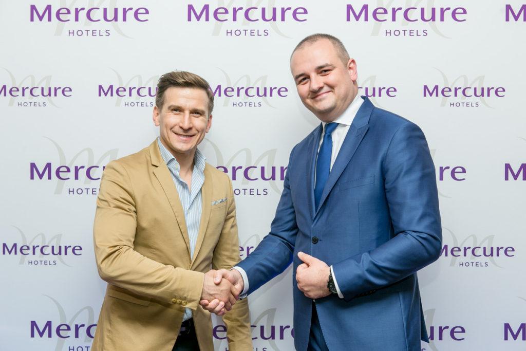Tomasz Barański i Krzysztof Rek - Dyrektor ds. operacyjnych Mercure Warszawa Centrum