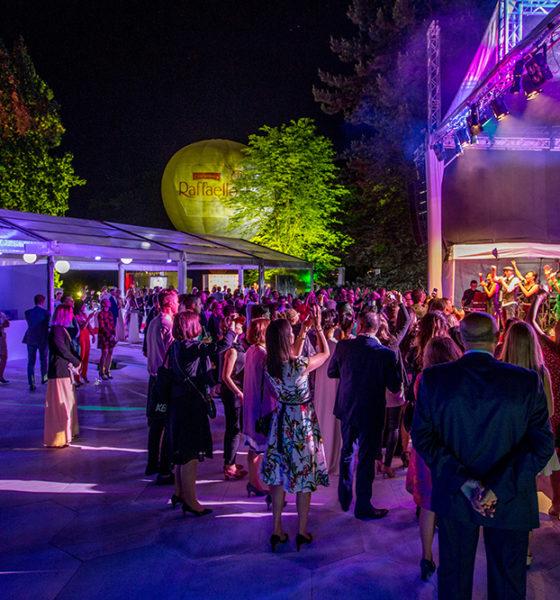 Polskie gwiazdy celebrują 25 urodziny Raffaello w ogrodach Pałacu w Wilanowie